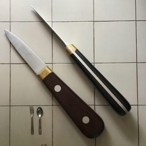 Des lancettes, couteaux à huitres pour les très très grosses