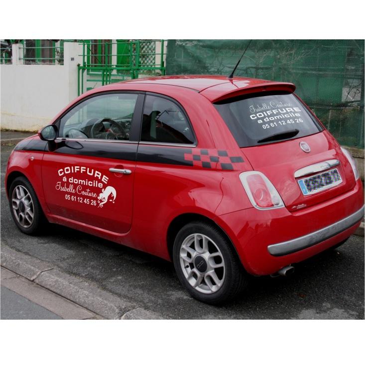 Exemples de réalisations de stickers sur mesure, Lettrage adhésif sur voiture de coiffeuse à domicile